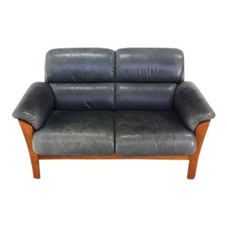 Leather and Solid Teak Mid-Century Modern Danish Loveseat For Sale