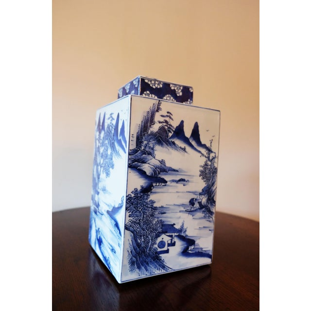This Chinese vase tea caddy makes a perfect accessory for your mantle.