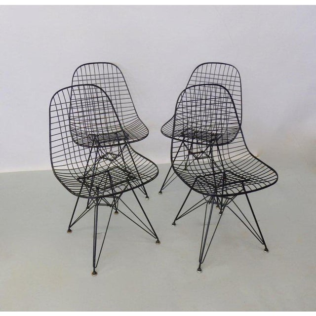 1950s Eames for Herman Miller DKR Wire Chairs on Eiffel Bases - Set of 4 For Sale - Image 5 of 7