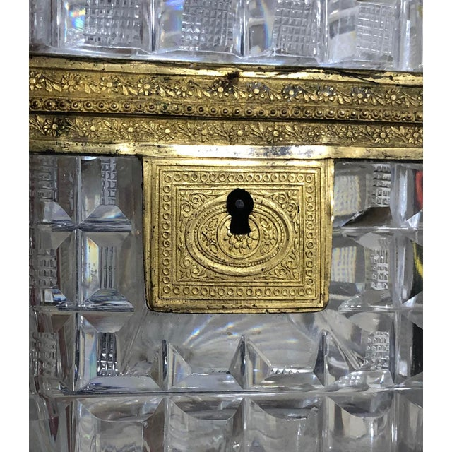 French Early 19th Century Neo Classical French Baccarat Crystal Box For Sale - Image 3 of 6