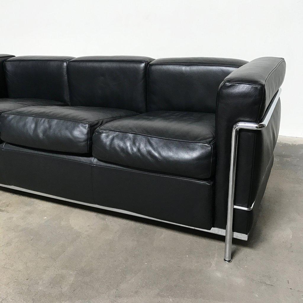 Cassina U0027LC2 Petit Modele Three Seatu0027 Sofa By Le Corbusier, Pierre Jeanneret