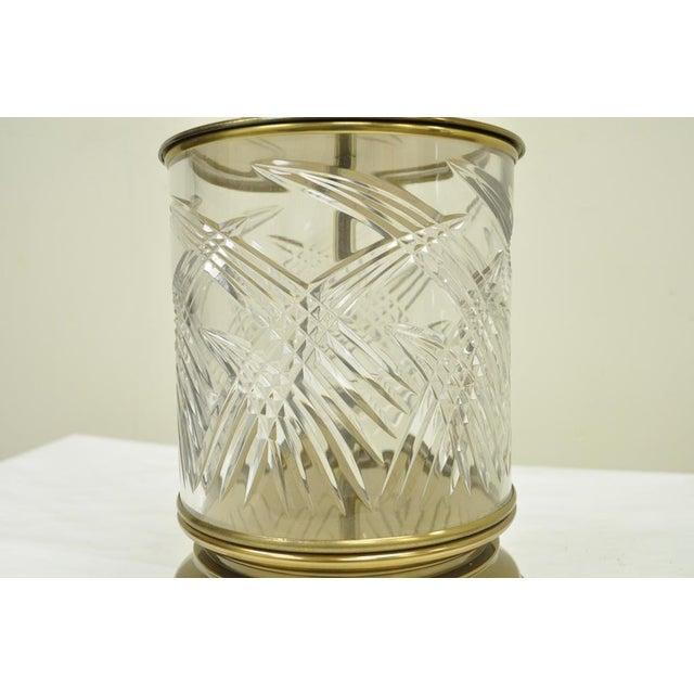 Gold Vintage Ethan Allen Brass & Etched Crystal Glass Table Desk Bedside Table Lamp For Sale - Image 8 of 11