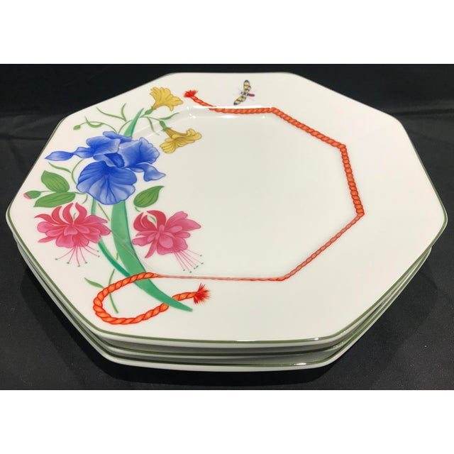 """Ceramic 1990s Lynn Chase """"Flores"""" Assorted Colors Dinner Plates - Set of 14 For Sale - Image 7 of 12"""