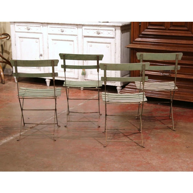 French Set of Four 1920s French Iron and Wood Painted Folding Garden Chairs For Sale - Image 3 of 13