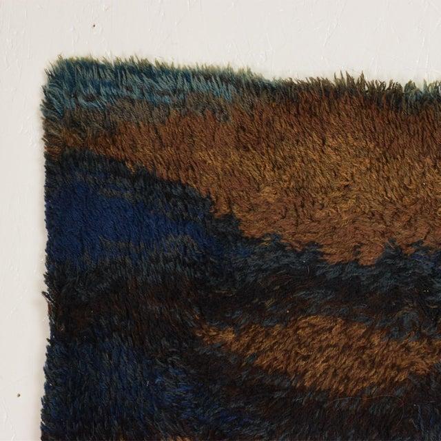 Danish Modern Mid Century Danish Modern Rya Rug With Beautiful Blue Tone Graphics For Sale - Image 3 of 8