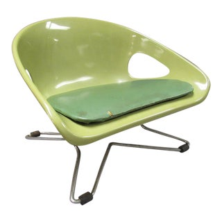Mid Century Modern Cosco Green Child's Chrome Booster Chair For Sale