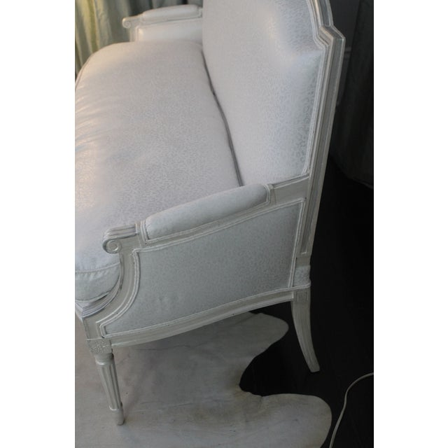 Louis XVI Style Early 19th Century Settee For Sale - Image 4 of 11