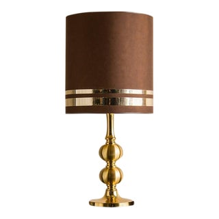 Vintage French Gilded Brass Table Lamp, Original Shade circa 1970 For Sale