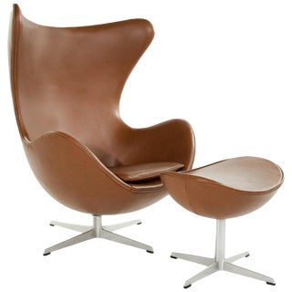Arne Jacobsen for Fritz Hansen Egg Chair and Footstool, Denmark, 1966 For Sale