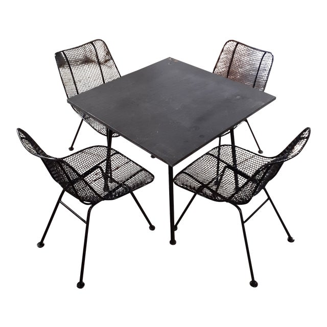 1960s Mid-Century Modern Outdoor Slate Dining Table With Four Sculptura Chairs by Russel Woodard - 5 Pieces For Sale