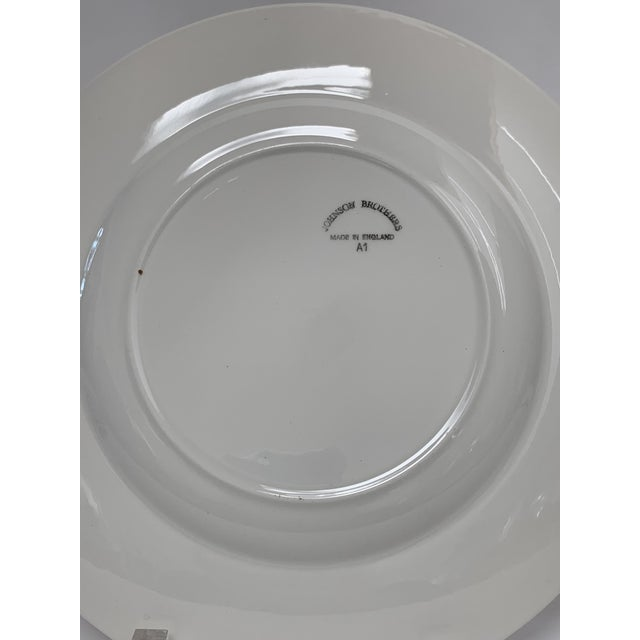 Final Markdwon 1960s Johnson Brothers White Ironstone Dinner Plates - Set of 11 For Sale - Image 11 of 12