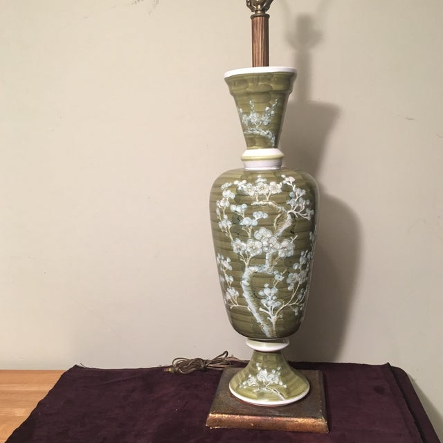Asian 1960s Mid-Century Chinoiserie Chilo Lamp For Sale - Image 3 of 8