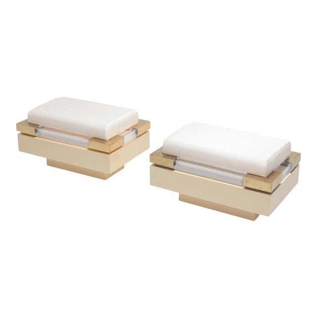 Postmodern Chic Pair of Ottoman in Cream Lacquer, Brass and Lucite For Sale