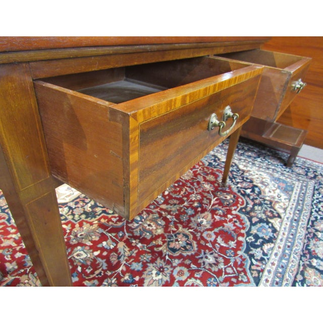 This 19th century English writing desk is of a terrific size. It can be utilized in almost any room in the house, foyer,...