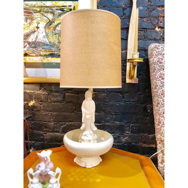 1960s Oriental Porcelain Table Lamp For Sale - Image 5 of 8