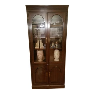 Ethan Allen Georgian Court Lighted Curio/China Cabinets
