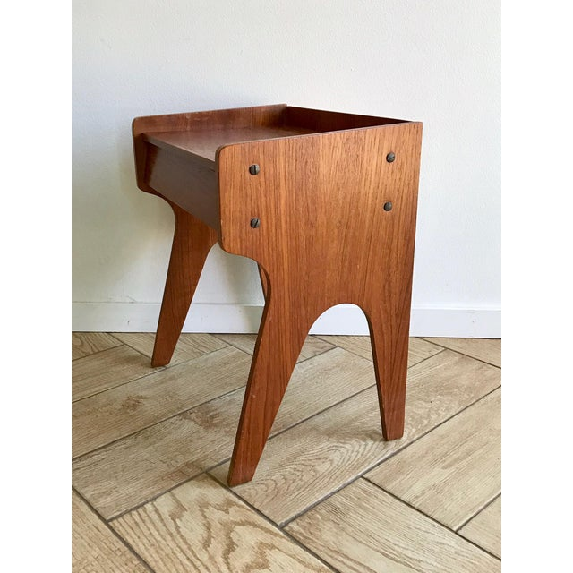Wood 1960s Mid Century Modern Small Side Table Nightstand For Sale - Image 7 of 11