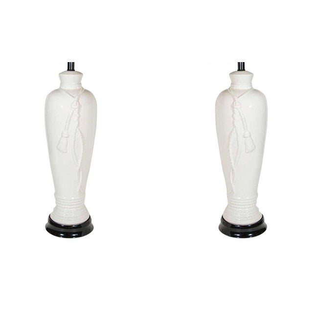 Hollywood Regency Pair of Hollywood Regency Ceramic Lamps With Rope and Tassel Design For Sale - Image 3 of 10