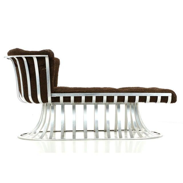 Circa 1960 Russell Woodard Mid-Century Aluminum Chaise Lounge - Image 5 of 11