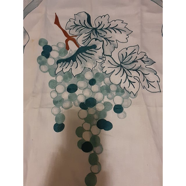 Contemporary 1980s Shabby Chic Green Grape Hand Embroidered Gorgeous Linen Towel For Sale - Image 3 of 8