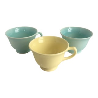 1940s Ts and T LuRay Pastels Teacups - Set of 3 For Sale