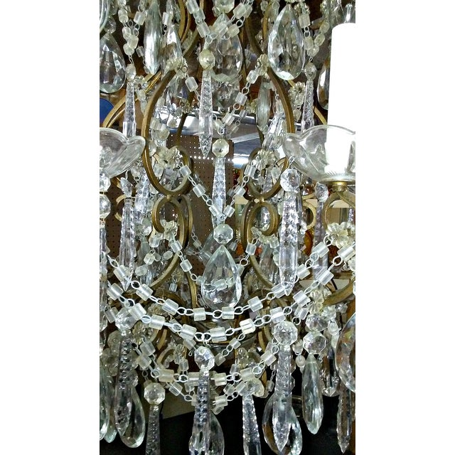 Brown 1930s Italian Crystal Macaroni Beaded Chandelier For Sale - Image 8 of 11