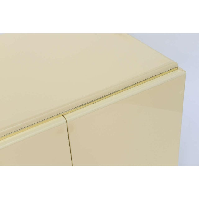 1970s 1970s Mid-Century Modern Rougier Cream Lacquer Bedside Tables - a Pair For Sale - Image 5 of 9