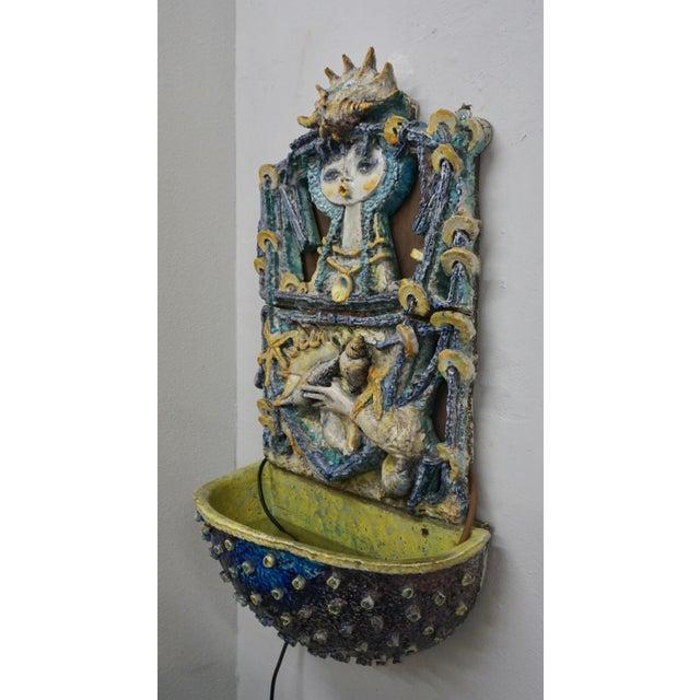 Ugo Lucerni Ceramic Wall Mounted Fountain by Ugo Lucerni For Sale - Image 4 of 8