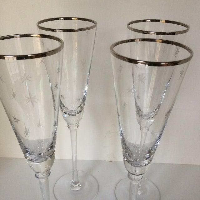 Transparent Set Of 4 Silver Rim Etched Starburst Champagne Flutes For Sale - Image 8 of 11