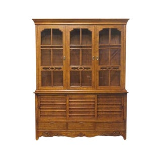 20th Century Traditional Hickory White Nashi Collection Lighted Display/China Cabinet For Sale