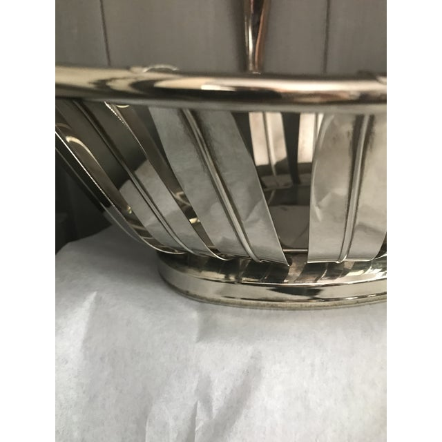 Vintage Silverplate Leaf Motif Oblong Bread basket with handle. 14in L x 10in w handle 11.5 in from the bottom. Bread or...
