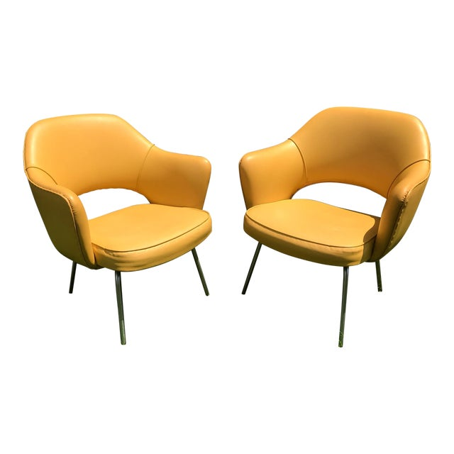 Original 1950's Vintage Eero Saarinen for Knoll Model 71 Executive Armchairs - a Pair For Sale