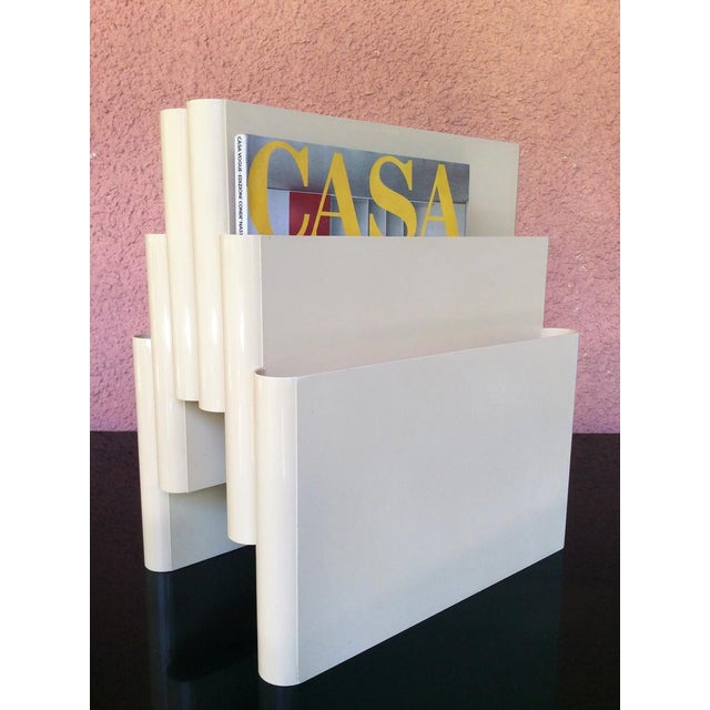 Giotto Stoppino for Kartell Off-White/Cream, Mid-Century Modern Magazine Rack With 6 Compartments For Sale - Image 9 of 10