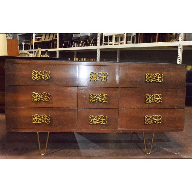 Mid-Century Modern Dresser With Large Decorative Pulls and Pin Legs For Sale In Dallas - Image 6 of 6