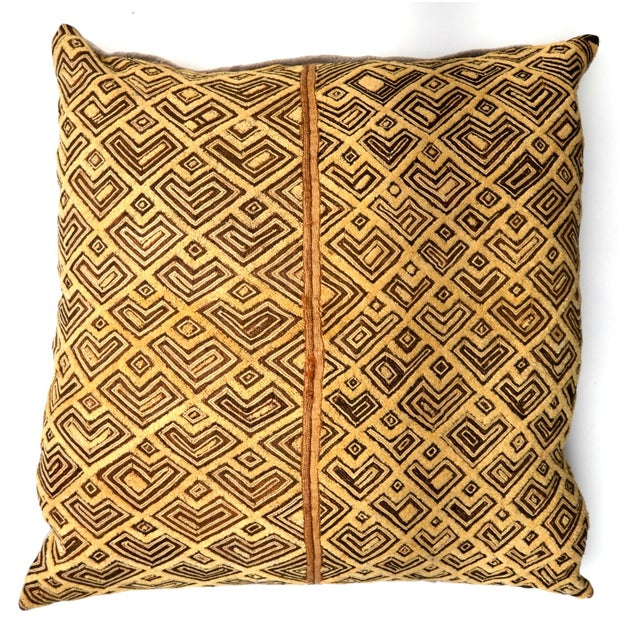"2000s African Kuba Raffia Cloth Pillow 24"" Square For Sale - Image 5 of 5"