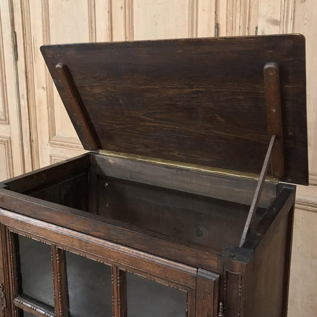 19th Century Country French Louis XVI Vitrine For Sale In Dallas - Image 6 of 13