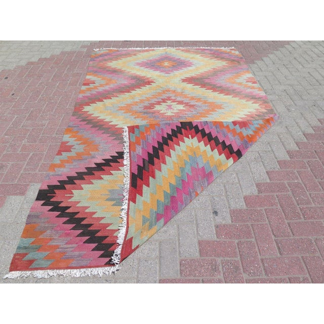 "Vintage Turkish Kilim Rug - 5'9"" X 9'3"" For Sale - Image 11 of 11"