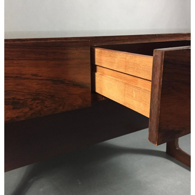 """1970 """"Cassette"""" Desk in Rosewood, Style of Georg Petersens For Sale In New York - Image 6 of 12"""