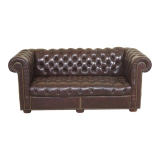 1980s Vintage Brown Tufted Leather Chesterfield Sofa For Sale