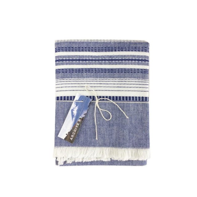 "Indigo and white chambray kitchen towel, handwoven by artisans in Guatemala. 100% Cotton 24""x31"""