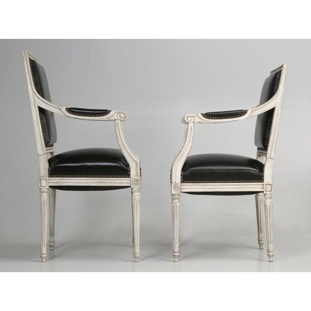 Louis XVI 8 Painted French Louis XVI Dining Chairs W/ Leather For Sale - Image 3 of 13