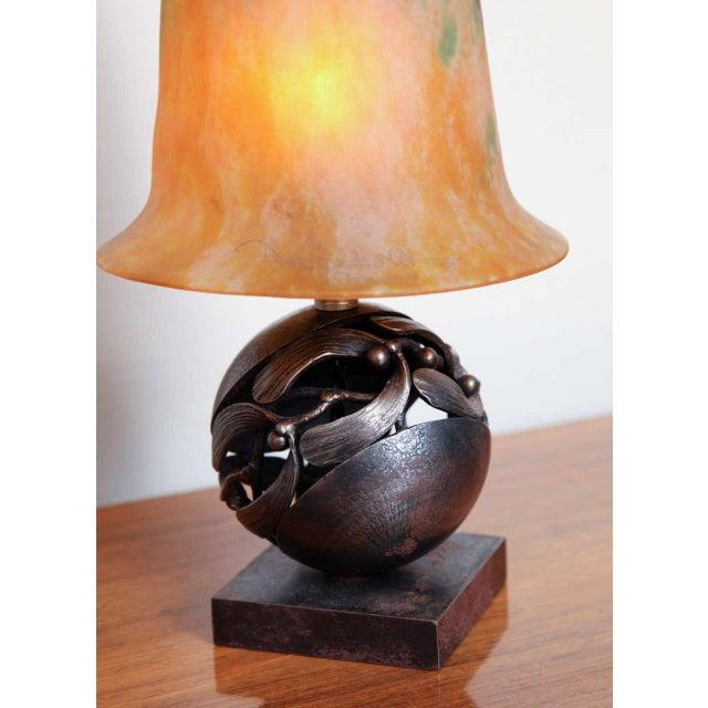 Metal Pair of Edgar Brandt & Daum Art Deco Table Lamps For Sale - Image 7 of 10