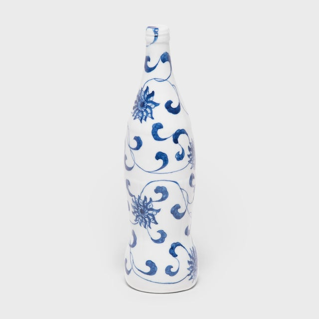Created by artist Taikkun Li exclusively for PAGODA RED, this limited edition hand-painted cola bottle is one of a series...