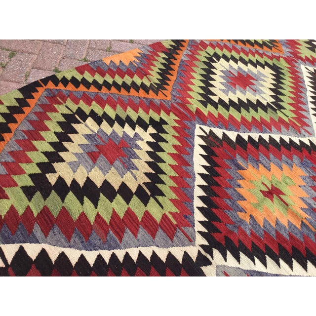 Vintage Turkish Kilim Rug For Sale - Image 4 of 10