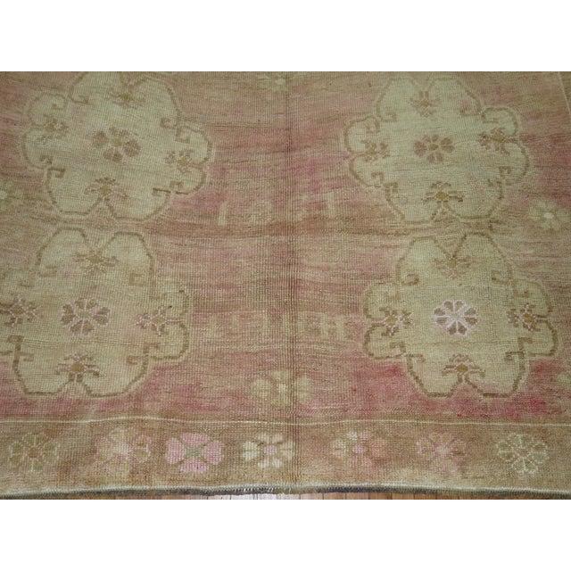 Vintage Turkish Oushak Pink Rug -- 7'8'' x 10'3'' For Sale - Image 4 of 5