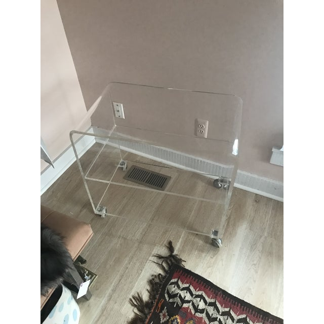1970s Mid-Century Modern Lucite Bar Cart For Sale In New York - Image 6 of 8