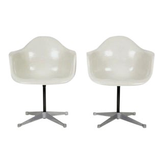 Vintage Eames for Herman Miller Armchairs, 1960s - A Pair