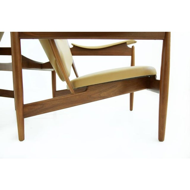 Animal Skin Pair of Finn Juhl Chieftain Lounge Chairs For Sale - Image 7 of 10