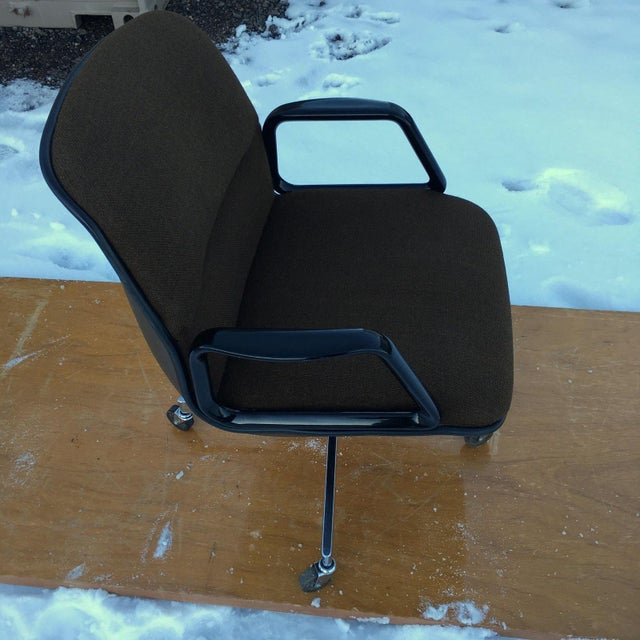 1970s Mid-Century Modern Charles Pollock Style Desk Chair by All•Steel For Sale - Image 5 of 13