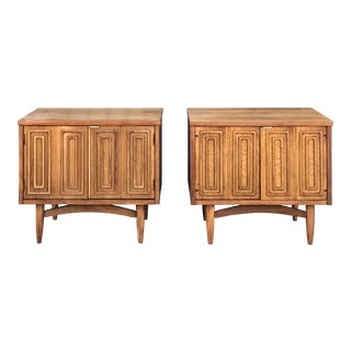 """Pair of Mid Century Broyhill """"Emphasis"""" Nightstands For Sale"""